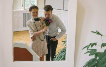 Kendi Düğün Fotoğraflarını Çeken Sıradışı Gelin