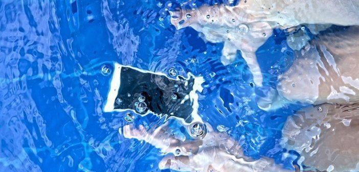 Suya Düşen Telefon Nasıl Kurtarılır?